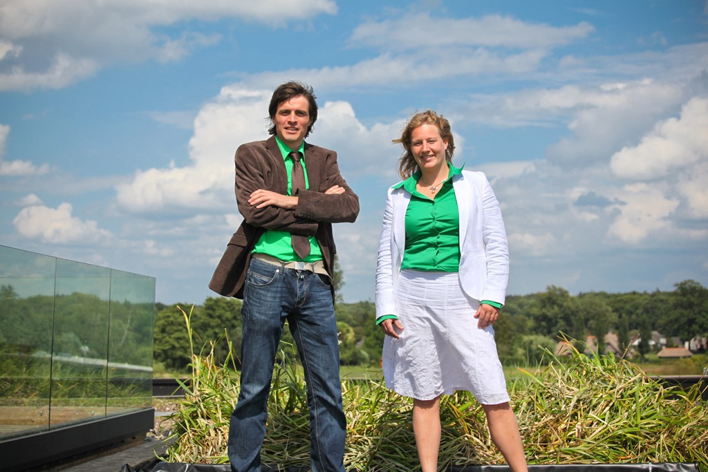Plant-e Prijs 1 - Founding team of Plant-e at pilot green electricity roof